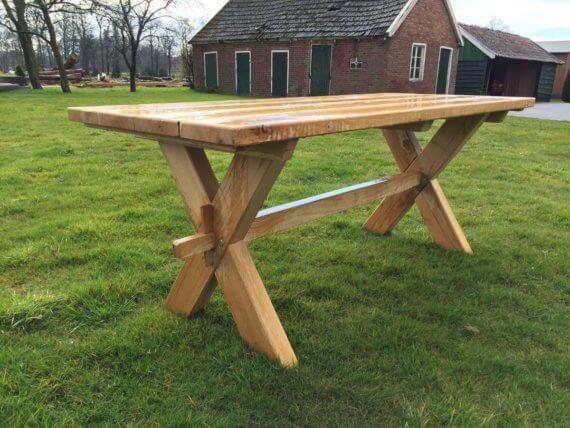 Eiken tafel met houten x poot