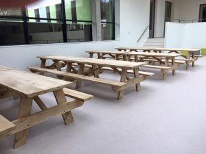 picknicktafel schoolplein