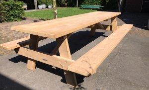 Grote stevige picknicktafel van 3 meter