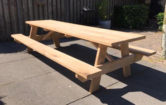 Picknicktafel voor 10 tot 12 personen