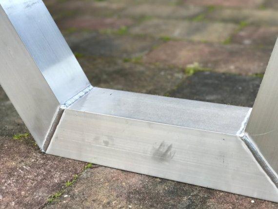 Aluminium frame met lasnaden